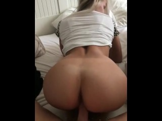 Sexy naked booty bounce